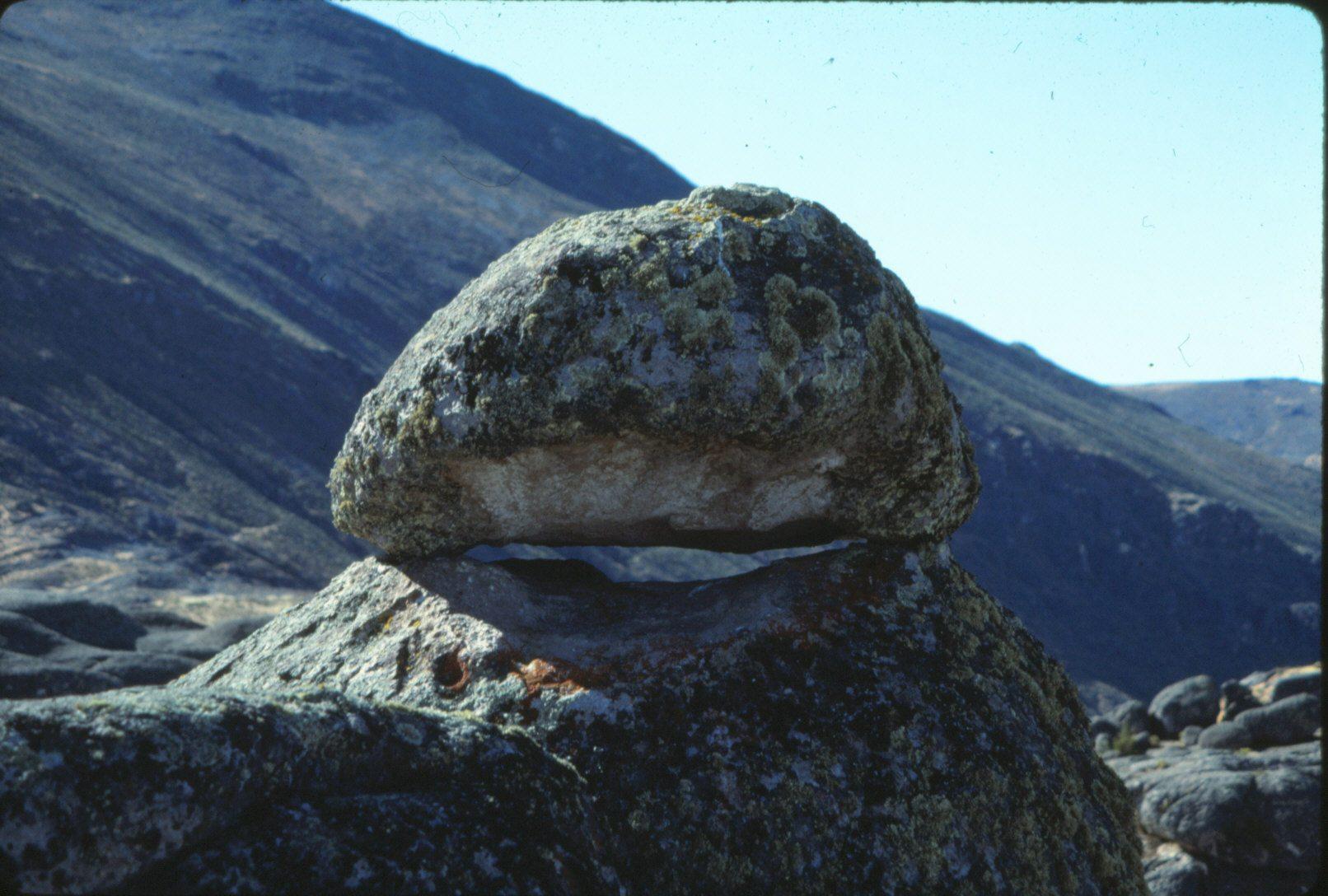 (con detalle del dolmen que constituye el chullo o gorro)